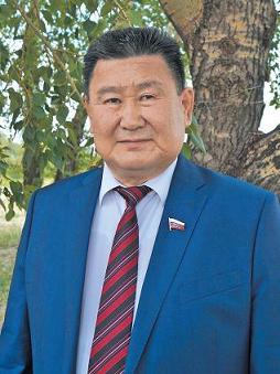 Вячеслав Мархаев поздравляет с Новым Годом по восточному календарю