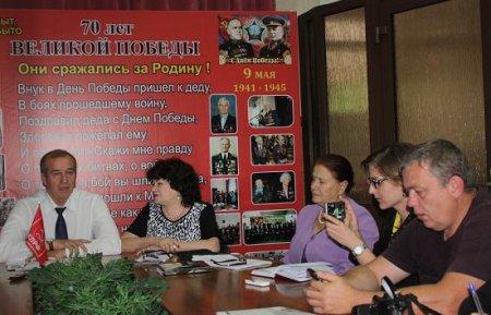 Сергей Левченко собрал подписи для прохождения «муниципального фильтра» и определил двух кандидатов в Совет Федерации