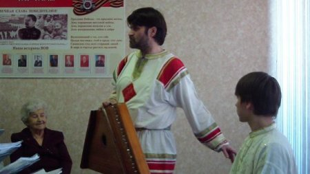 В Иркутске состоялся концерт гусляра Владимира Владимирова