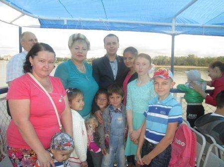 В преддверии Дня знаний горкомом КПРФ и движением «Надежда России» организован праздник для детей