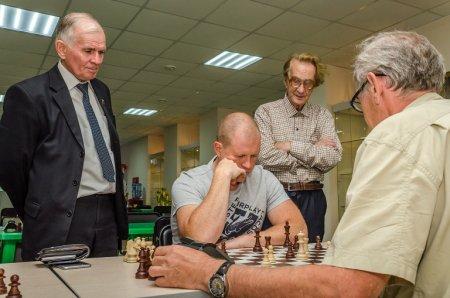 В Ангарском Дворце ветеранов войны и труда «Победа» состоялся региональный турнир по шахматам на призы КПРФ