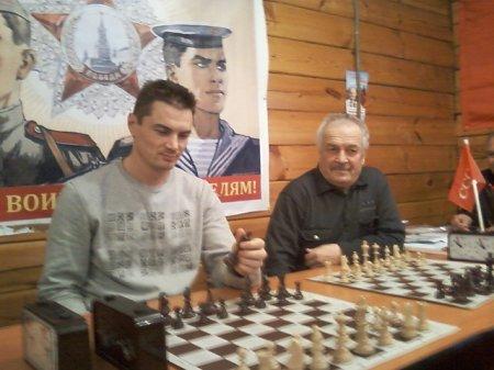 Иркутские коммунисты встретились на шахматном турнире