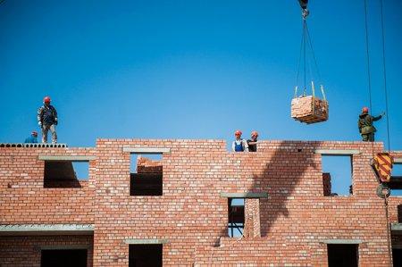 Около 400 млн рублей из областного бюджета дополнительно выделено на программу расселения аварийного жилья
