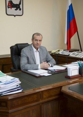 Губернатор-коммунист Сергей Левченко провел встречу с членами клуба «Байкальские стратегии»