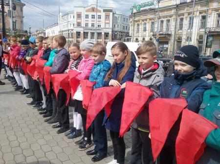 Около 50 иркутских школьников принесли 19 мая пионерскую клятву