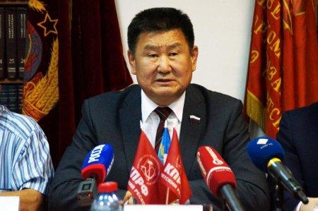 Вячеслав Мархаев: «На поддержавших меня депутатов оказывают административное давление»