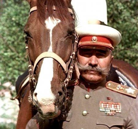 Пример берите с маршала Будённого