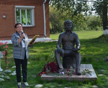 Торжественные мероприятия, посвященные 80-летию со дня рождения Александра Вампилова, состоялись в поселке Кутулик