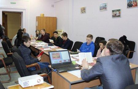 В Иркутске началось обучение I потока Иркутской городской комсомольской школы