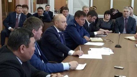 М. Щапов и В. Сухорученко провели совещание по вопросам корректировки водоохранной зоны Байкала