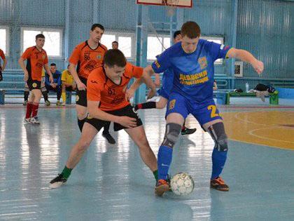 Победители – футболисты «КПРФ»
