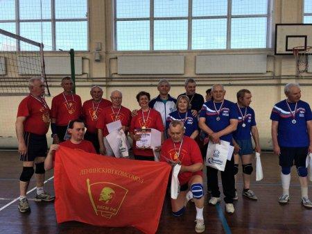 Ветераны комсомола победили команду
