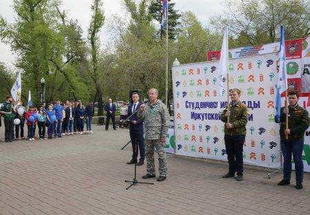 Сергей Левченко поддержал инициативу по воссозданию тимуровского движения в Иркутской области