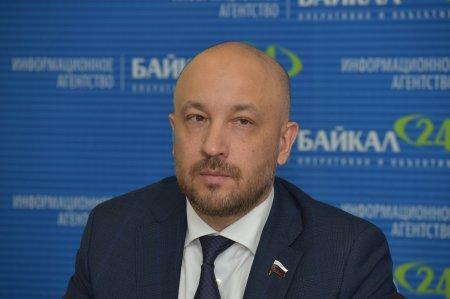 Михаил Щапов первым сдал подписи для прохождения муниципального фильтра